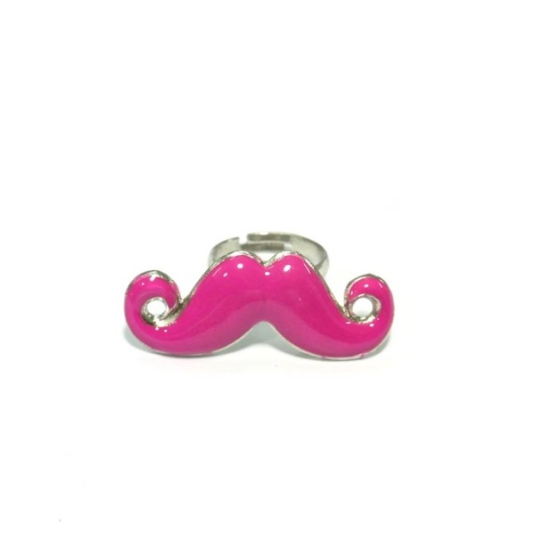 bague moustache rose