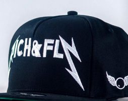 casquette-daddy-yankee-rich-n-fly-black-edition