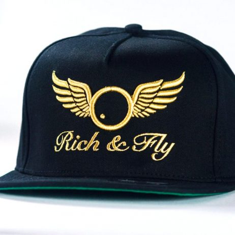 casquette-daddy-yankee-rich-n-fly-gold-and-black